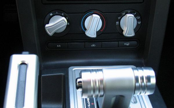 05-09 Mustang Billet A/C Knob Covers - Satin