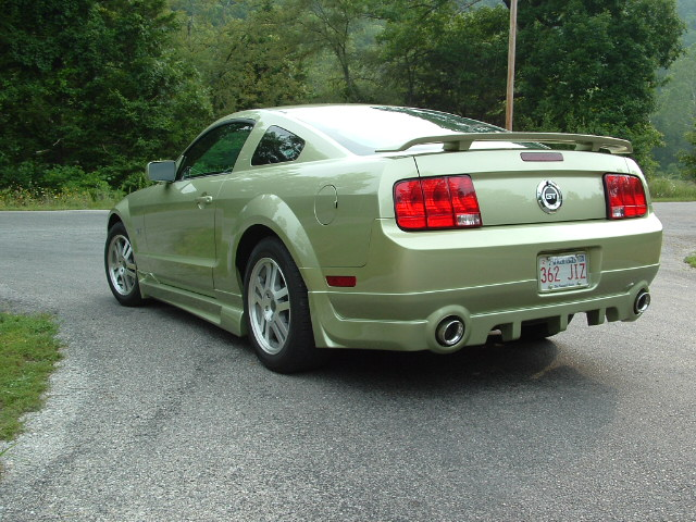 05-09 Mustang RAZZI GT & V6 - Add-on Rear Valance - (ABS AERO-FLEX)