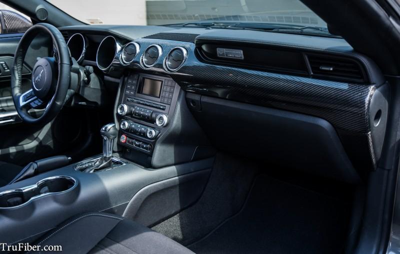 2017 17 Mustang Carbon Fiber Lg268 Dash Kit Ecoboost V6 Gt Larger Image