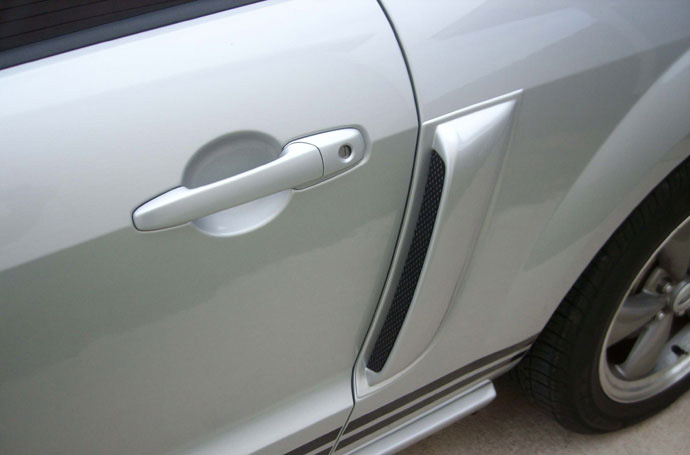 05-09 Mustang SALE Lower Door Scoops ABS PLASTIC (PAIR)