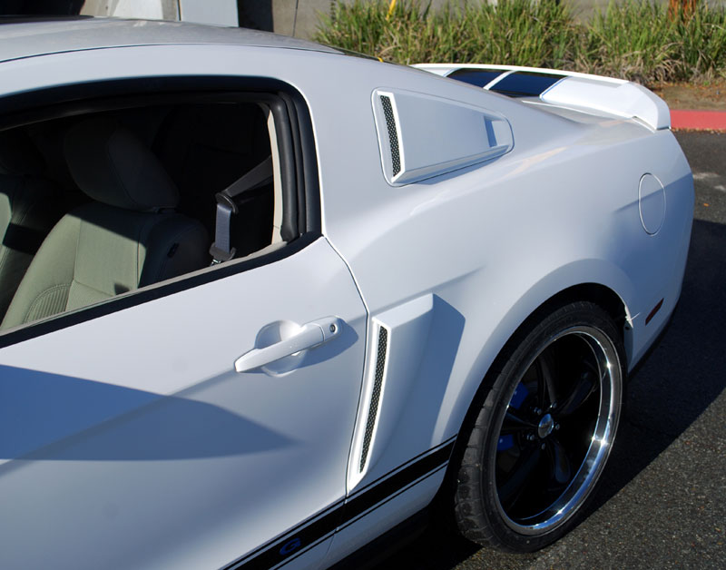 2010-14 Mustang V6 & GT - SALE Vector Upper Scoops ABS PLASTIC(PAIR)