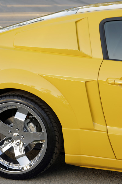 2005-2014 Mustang Xenon Quarter Window Upper Scoops