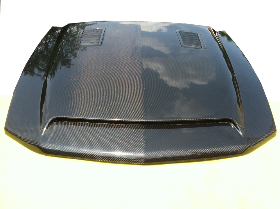 2010-2012 Mustang Manta Ray Ram Air Hood - Carbon Fiber (GT-V6)