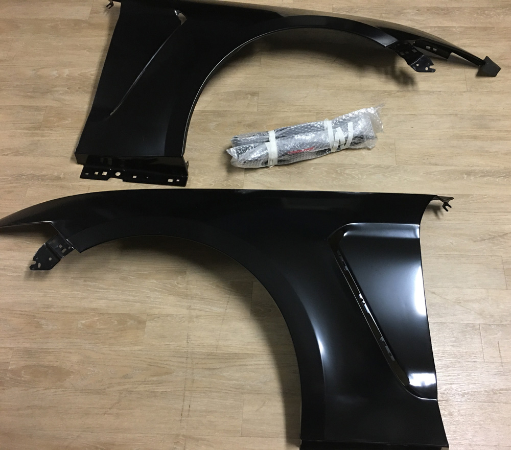 15-17 Mustang GT350 Style STEEL Fenders Includes - RH and LH Pair (Fits all 15+ Models) Light weight Steel
